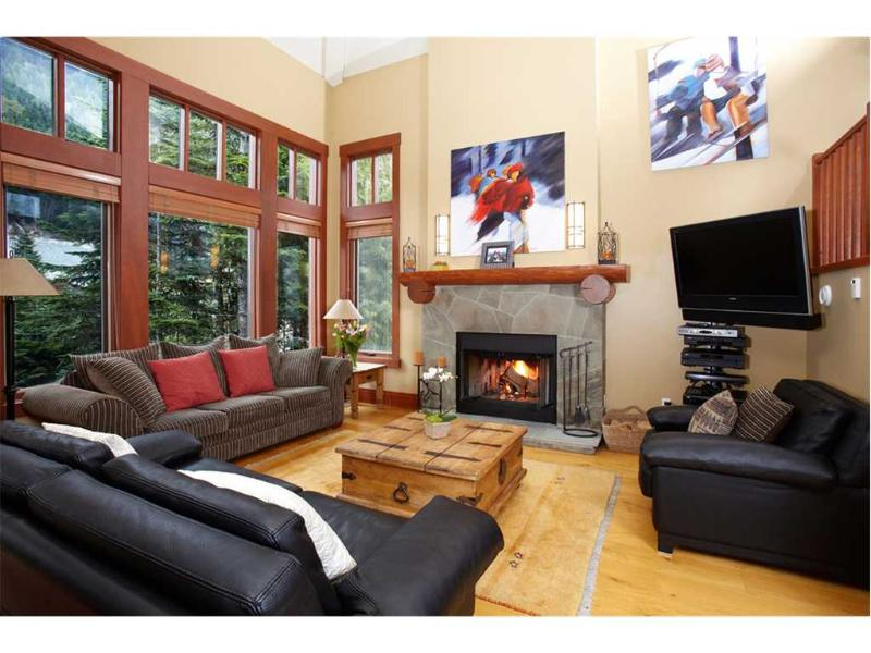 Taluswood The Heights #03 - Image 1 - Whistler - rentals