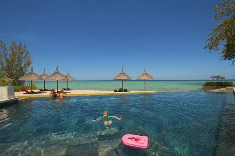 Sea/Beachfront luxury appart, pool, Mauritius West - Image 1 - Tamarin - rentals