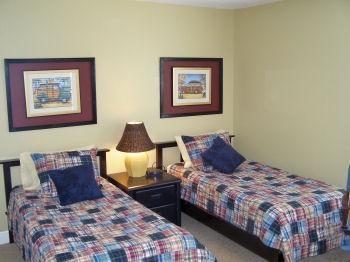 Bed 2 - Twins - SANDY FEET - Holmes Beach - rentals