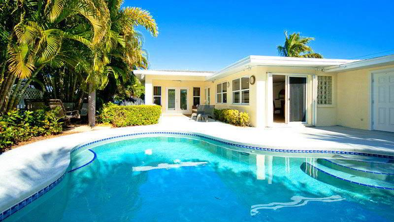 Pool 1 - BAREFOOTBLISS - Holmes Beach - rentals