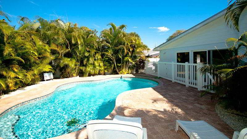 Pool 1 - BEACH RETREAT 206 - Holmes Beach - rentals