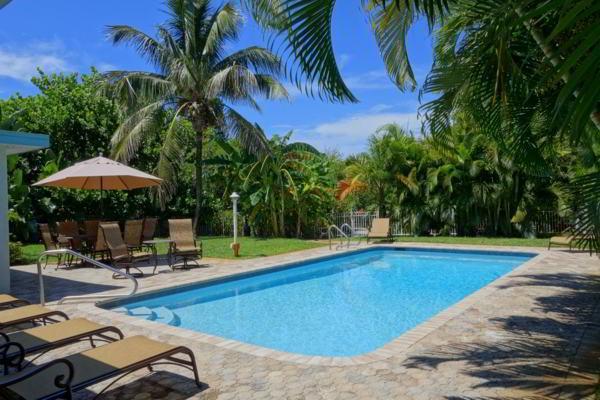 Pool 1 - HAWAIIAN PUNCH - Anna Maria - rentals