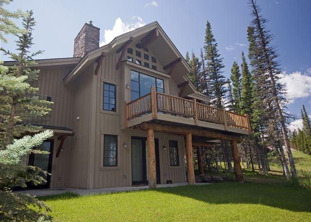 3+BD Mountain Home: Pool Access, Summer in Yellowstone or Winter Ski-In/Out! - Image 1 - Big Sky - rentals