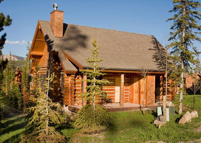 Perfect Mountain-Top Cabin Getaway Close to Yellowstone, w/Winter Ski Access - Image 1 - Big Sky - rentals