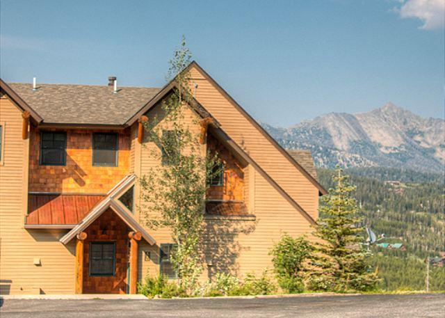 Spacious 3BD Townhome with Private Hot Tub, Fireplace, Grill, & More! - Image 1 - Big Sky - rentals
