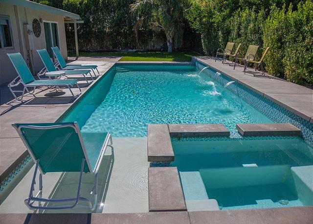 Located Just North of Downtown - 4 blocks to Grocery Store - Franky's Hideaway ~ ALL INCLUSIVE SPECIAL  5NT STAY  7/26 - 7/31 - $1500 - Palm Springs - rentals