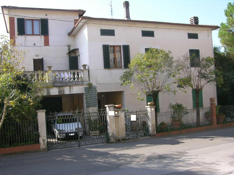 apartments in a house near to Trasimeno Lake - Image 1 - Perugia - rentals