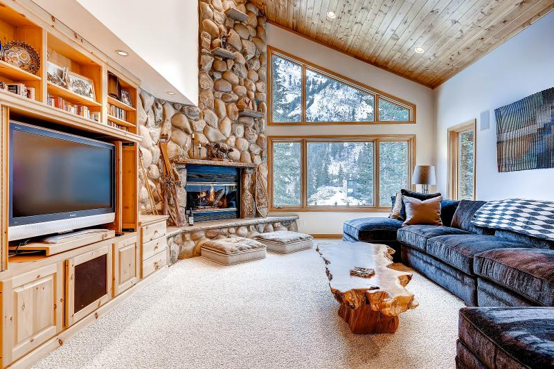 Wildcat Chalet Living Room - Wildcat Chalet 9955 E Powder Ridge Rd. - Alta - rentals
