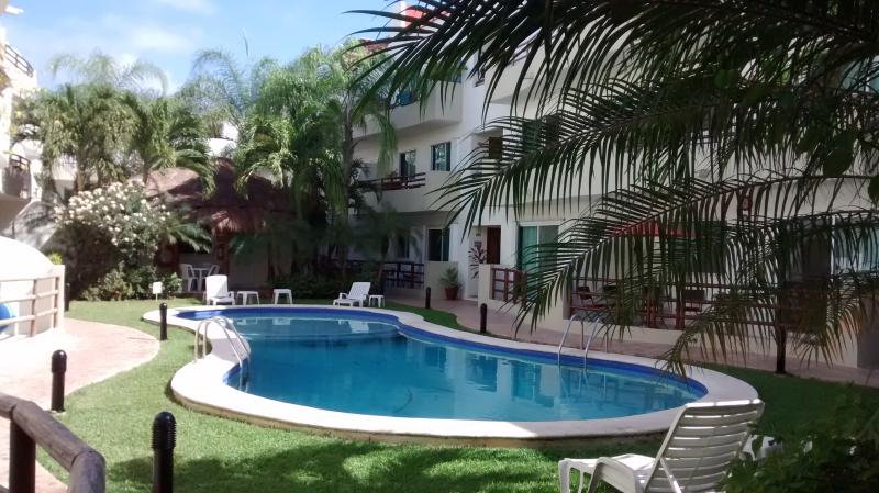 Swimming pool - Margaritas II....Beautiful and the best location!! - Playa del Carmen - rentals