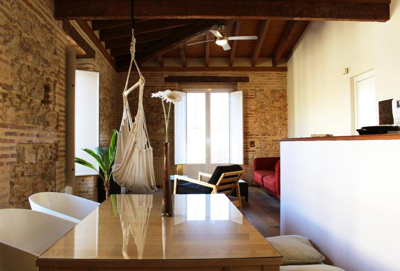 La Buhardilla _ Bright, central, & fully equipped - Image 1 - Valencia - rentals