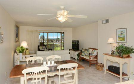 Living Room - Chinaberry 414 - Siesta Key - rentals