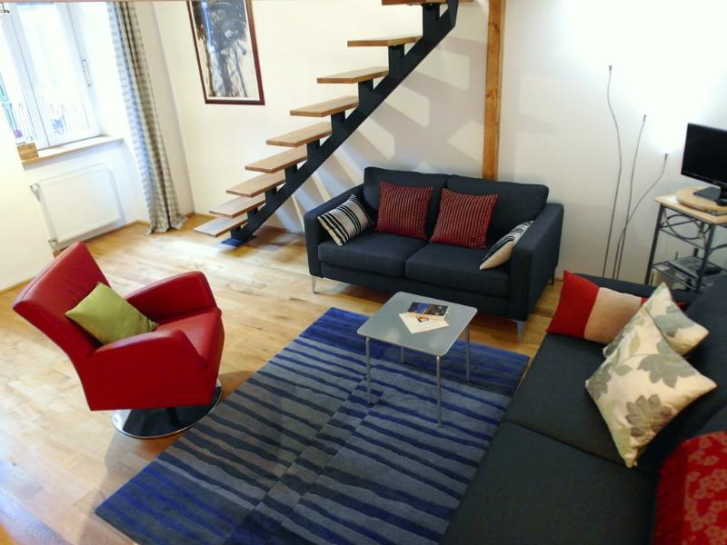 living room - Quiet Central Apartment - no booking fee - Budapest - rentals