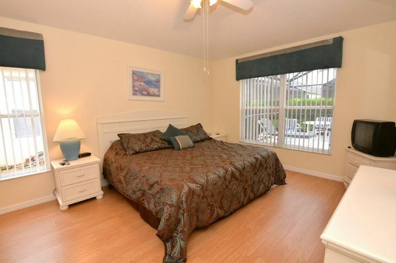 Master Bedroom - Beautiful Kissimmee Vacation Home with Private Pool - Kissimmee - rentals