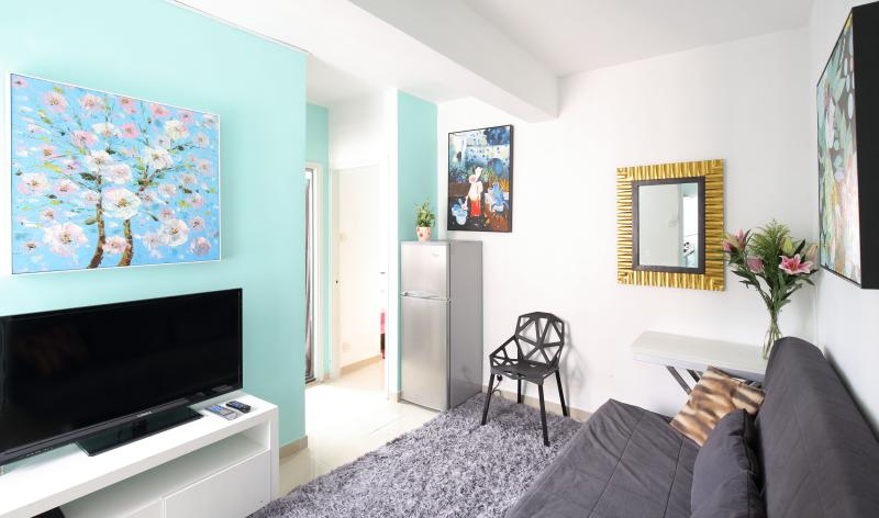 2 Bedroom Vacation Rental at Langham Place in Hong Kong - Image 1 - Hong Kong - rentals
