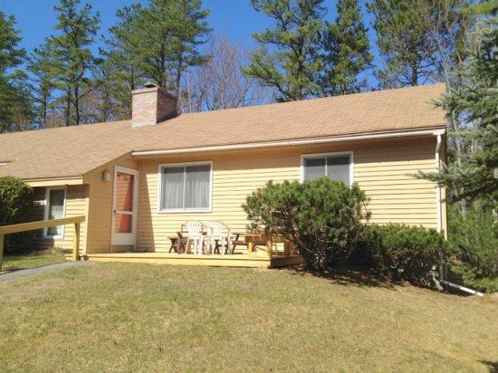 Spacious Condo minutes from downtown North Conway - Image 1 - Conway - rentals