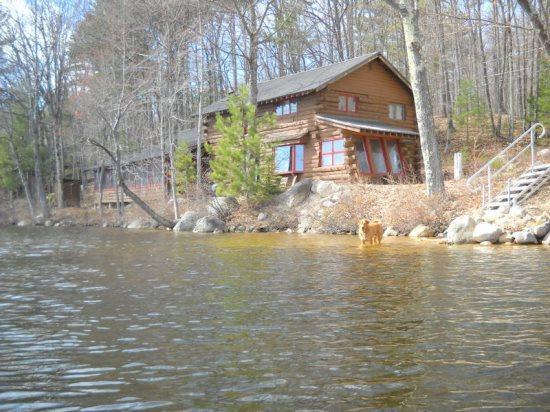 Private Waterfront Log Home on Pea Porridge Pond - Image 1 - Madison - rentals