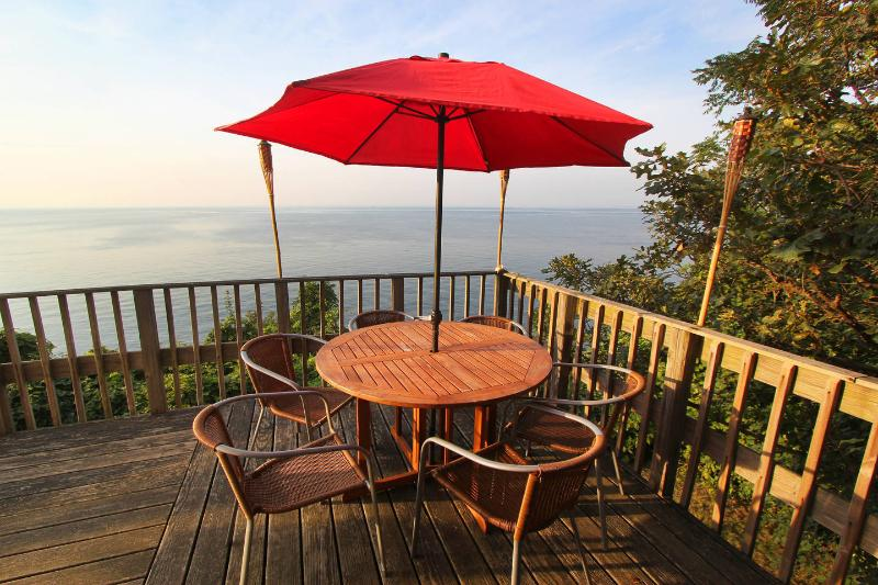 On the Upper Deck - Waterfront Beach House - Long Island North Shore - North Fork - rentals