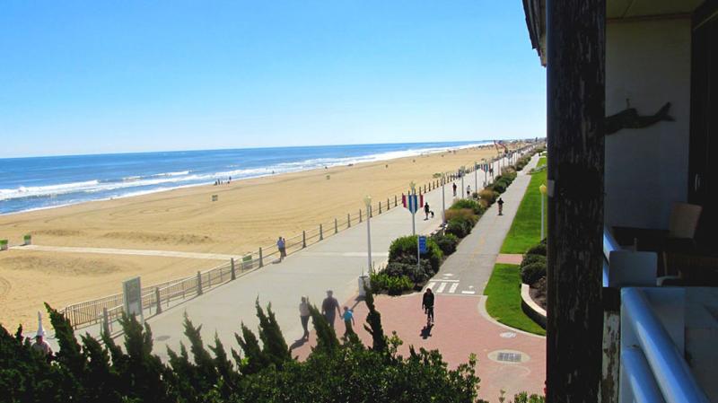 View From Balcony of Virginia Beach Boardwalk - OCEANFRONT Studio 304 . Beach and Ocean Views - Virginia Beach - rentals