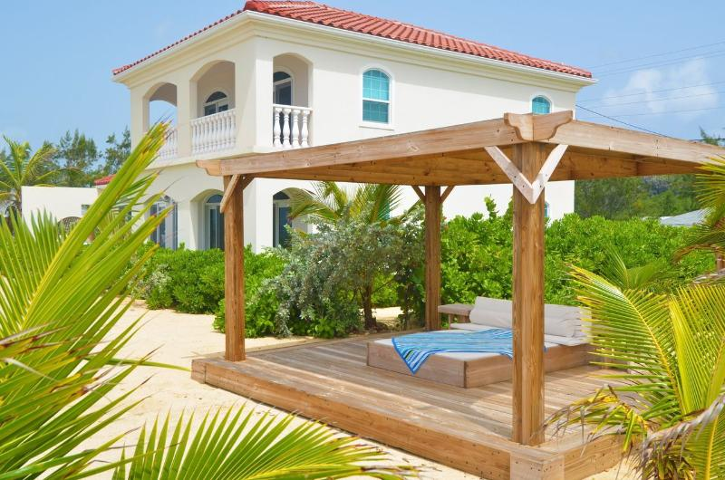 Le Soleil d'Or Villa, Private Beach & Pool - Image 1 - Cayman Brac - rentals