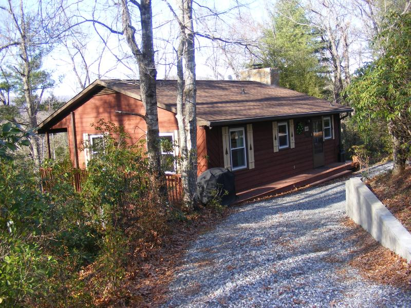 Entrance to Mountain Whispers Cabin - Mountain Whispers Of Riverbend - Lake Lure - rentals