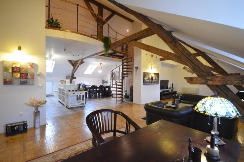 Living room (Downstairs) - Attic Hastalska - Luxury Three Bedroom & Two Bathroom Apartment - Attic Hastalska - Luxury three bedroom apartment - Prague - rentals