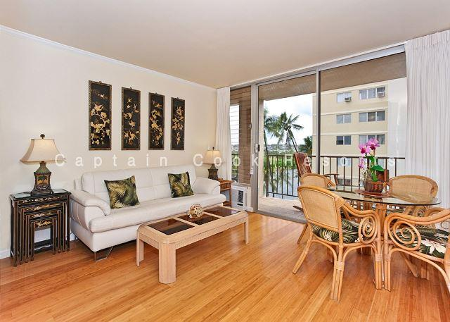 2-bedroom, 2 bath – sleeps 4!  AC, washer/dryer, dishwasher, WiFi, parking. - Image 1 - Waikiki - rentals