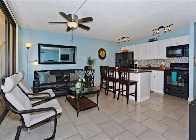 Great one-bedroom close to beaches, park, zoo… with AC, WiFi, pool, parking! - Image 1 - Waikiki - rentals