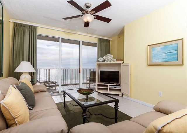 New living room furniture in December 2014! The comfy sofa is a - GD 502: Spacious beach condo-WiFi,full kitchen,pool,BBQ,FREE BCH SERVICE - Fort Walton Beach - rentals