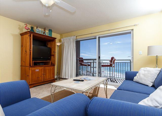 Get a great view of the beach right from your living room! Relax - PI 406: Great beachfront vacation condo! WiFi, flatscreen TV, Free Beach Svc - Fort Walton Beach - rentals