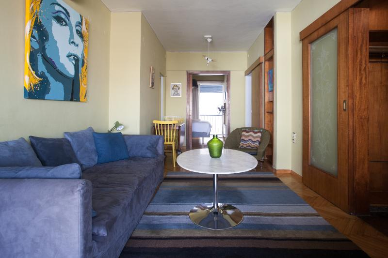 Living room - Compact 2 bed'm penthouse in Plaka, large balcony - Athens - rentals