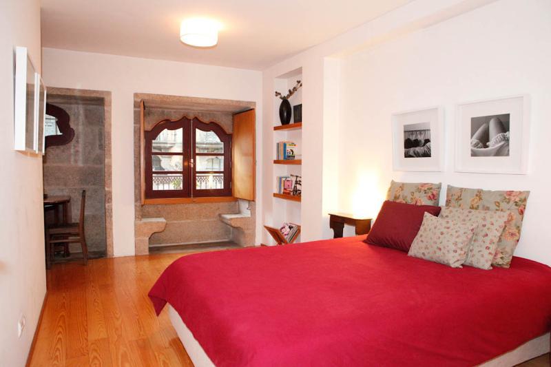 Fascinating LoveSeats in Flat at Porto's historica - Image 1 - Porto - rentals