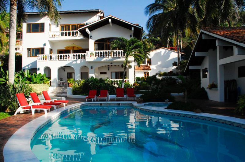 Villa de Roja - Beachfront! - San Pancho - Image 1 - San Pancho - rentals