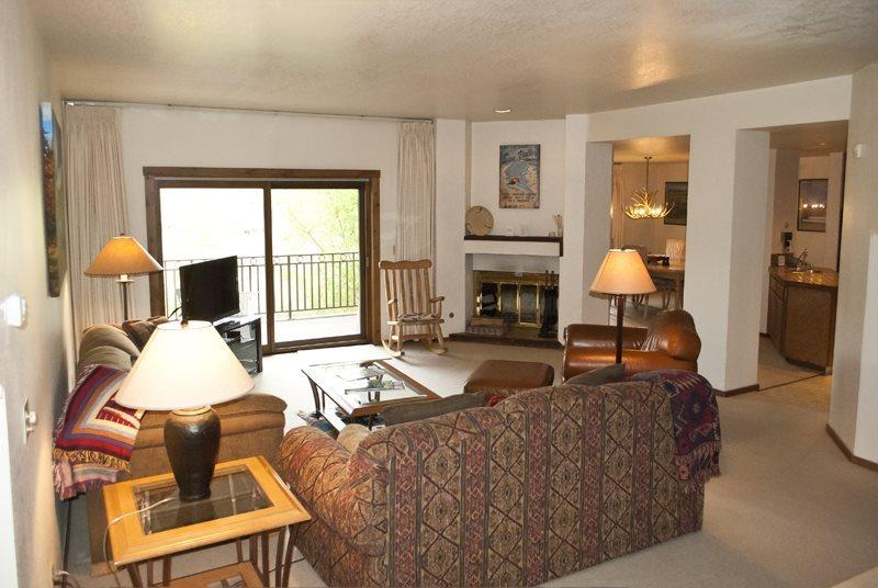Large living room open to the kitchen and dining - Summit #2816 - Elkhorn - next to tennis courts & pool, on site hot tub - Ketchum - rentals