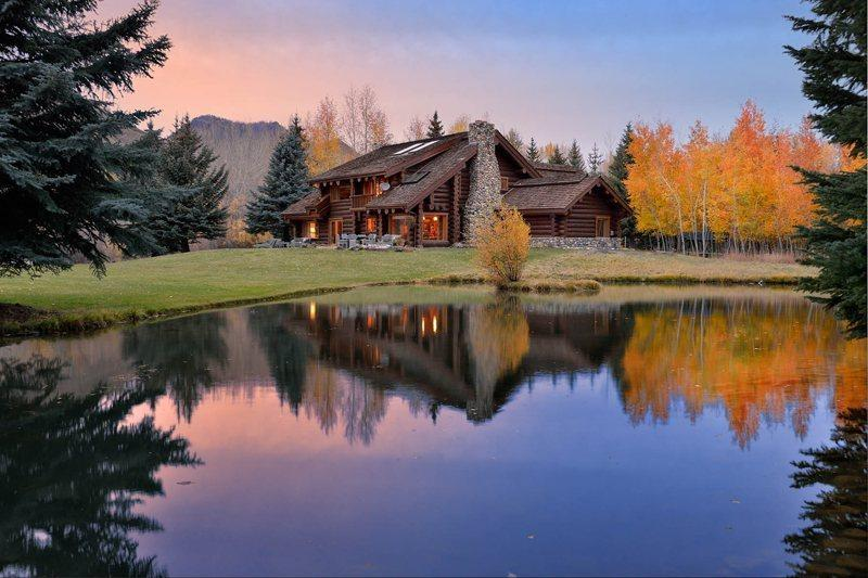 Beautiful home very privately located right on the river.  - Sheep Meadows Lane 113, Ketchum - Log Home on a Riverside Property - Ketchum - rentals