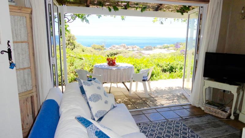 Petit Paradis overlooking Llandudno beach - Image 1 - Llandudno - rentals
