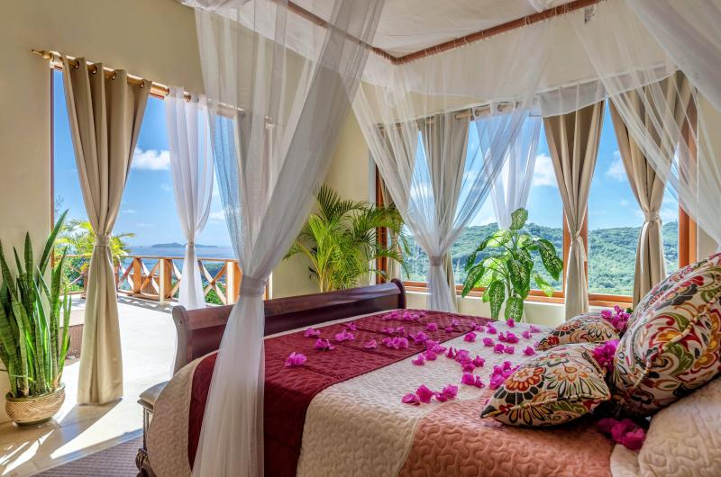 Far Master Bedroom - Sadewa Villa - Bequia - rentals