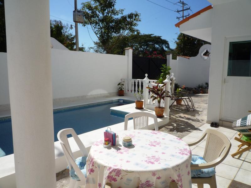 Detached 4 Bed, villa,POOL, at the Beach. slps 8/9 - Image 1 - La Cruz de Huanacaxtle - rentals