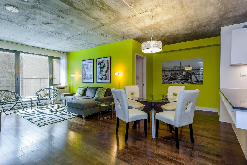 SPACIOUS LIVING - Luxury Downtown 2 bdrm Condo,  3362 - Montreal - rentals