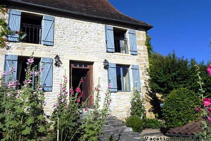 275/17th-century-plazac-country-village-neighbor - Image 1 - Perigueux - rentals