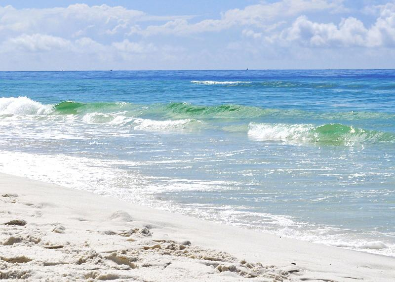 """Sunset Cottages Unit 5A"" Ground Floor, Walk right out to the pool or beach!! - Image 1 - Fort Walton Beach - rentals"