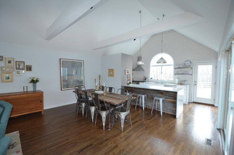 Contemporary Hamptons Meets Farmhouse Chic - Image 1 - Bridgehampton - rentals