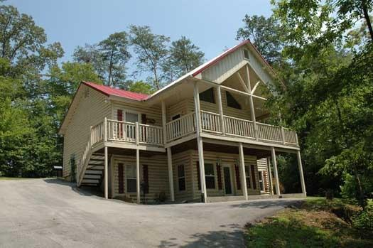 BEARLY IN THE MOUNTAINS - Image 1 - Pigeon Forge - rentals