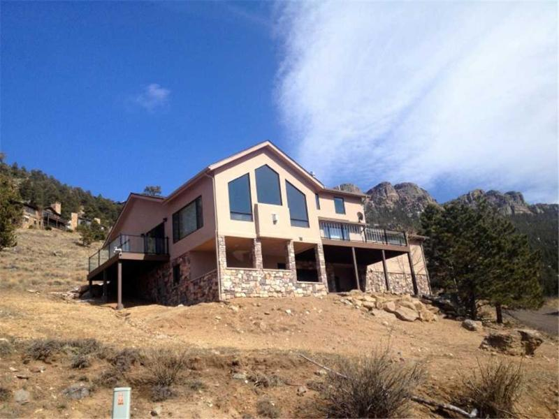 The Mapes at Windcliff: Panoramic RMNP Views, New, Near YMCA, Hot Tub, Wildlife - Image 1 - Estes Park - rentals