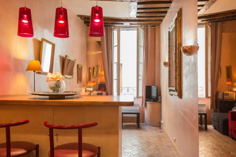 Ile St Louis, Charming Studio - Best City Reviews - Image 1 - Paris - rentals