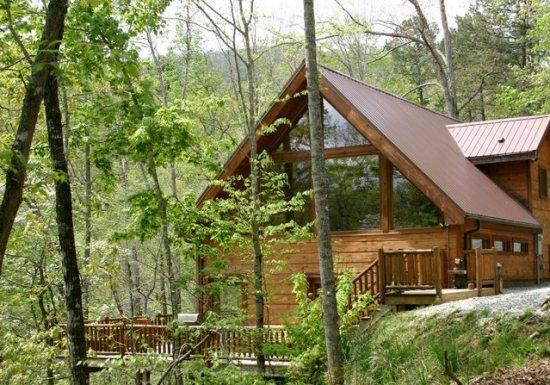 White Tail Hollow, Just Minutes from Rafting - White Tail Hollow - Spacious, Romantic, and Comfortable. Wi-Fi and Outdoor Hot Tub. Rafting and Fontana Lake are Minutes Away. - Bryson City - rentals