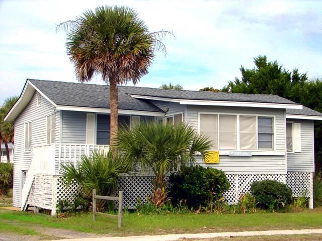 "607 Palmetto Blvd - ""Turnabout"" - Image 1 - Edisto Beach - rentals"