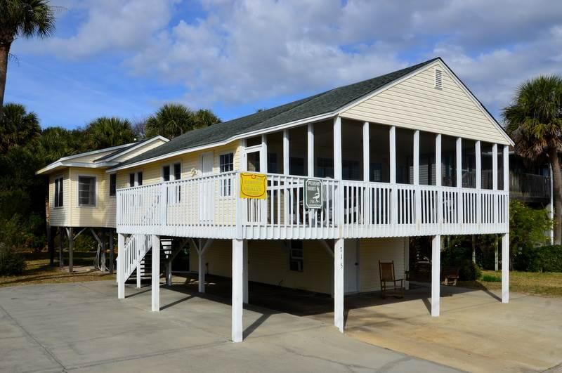 """715 Palmetto Blvd - """"Pelican Roost"""" - Image 1 - Edisto Beach - rentals"""