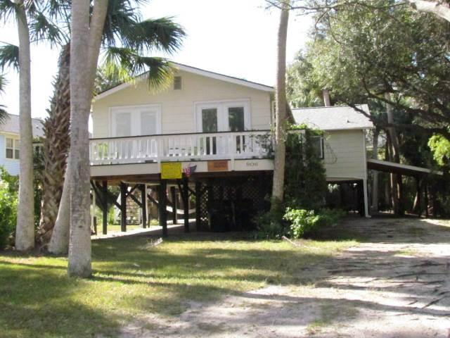 "906 Cheehaw St - ""La Coasta Nostra"" - Image 1 - Edisto Beach - rentals"