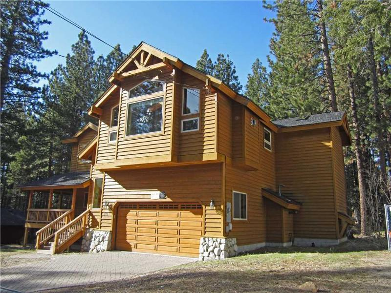 Spacious Tahoe Home with Pool Table and Large Backyard, Minutes from Heavenly and Lake Tahoe (HV17) - Image 1 - South Lake Tahoe - rentals