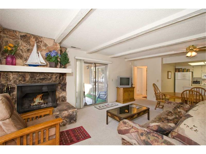 Cozy Condo near Stateline with Community Pool, Hot Tubs and Tennis Courts (LV06) - Image 1 - Zephyr Cove - rentals